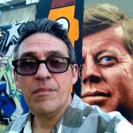 Un trozo del muro en Wilshire Blvd.