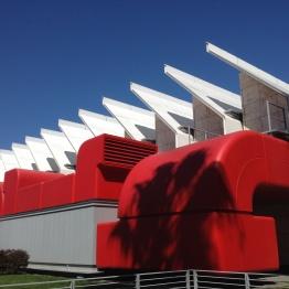 Sala de exhibiciones, por el arquitecto Renzo Piano