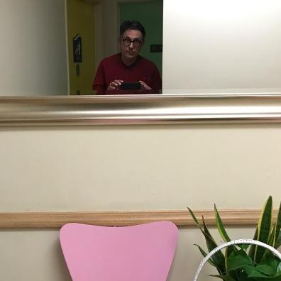 Selfie en un baño de restaurante chino en LA